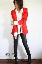 red blazer - white blouse - black H&M jeans - black Senso Diffusion boots
