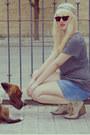 Nude-wedge-qupid-boots-blue-oysho-shorts-black-random-brand-sunglasses-cha