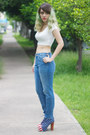 White-crop-bershka-top-blue-jeffrey-campbell-boots-blue-pull-bear-jeans