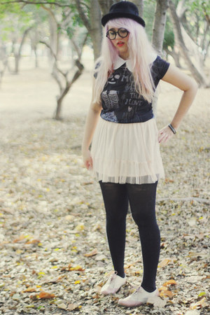 black asos hat - white petal collar romwe accessories - dark gray Zara t-shirt