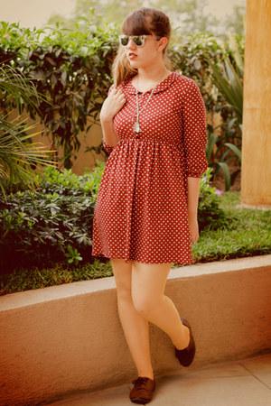 brown oxfords Qupid shoes - maroon polka dot Zara dress - neutral tights - white