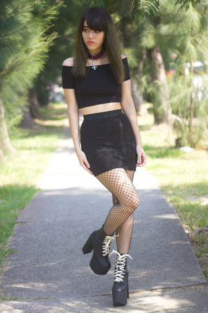 black UNIF boots - black fishnet no brand tights - black crop Bershka top