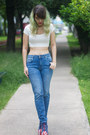 Blue-jeffrey-campbell-boots-blue-pull-bear-jeans-white-crop-bershka-top