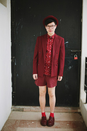 brick red DrMartens shoes - brick red H&M blazer - brick red H&M shorts