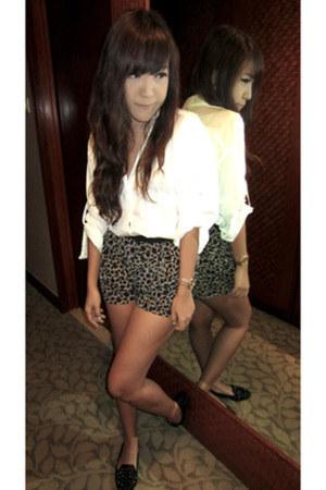 leopard print Topshop shorts - Zara top - studded Topshop flats
