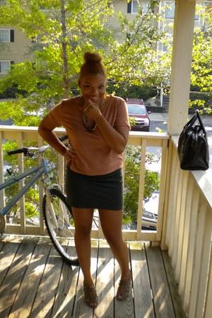 dark brown doctor Forever 21 bag - dark green bodycon Forever 21 skirt