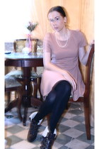 Kurt Geiger boots - light pink Dress dress - chanel earing accessories