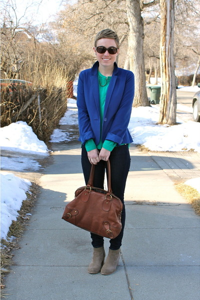 green blouse - heather gray boots - blue blazer - brown purse