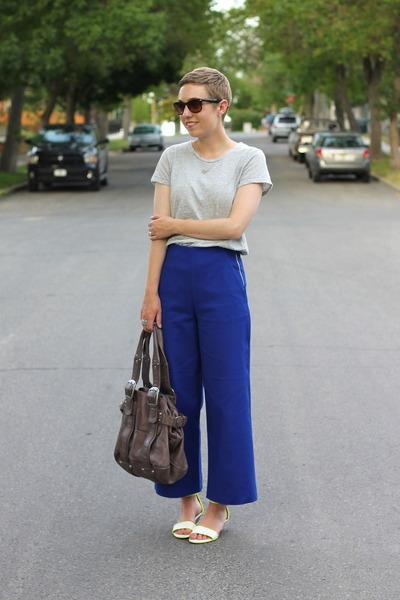 Gap shirt - Urban Outfitters bag - Zara pants - Nine West wedges