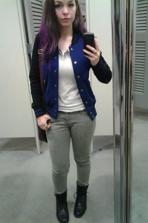 Forever 21 jacket - black boots - grey jeans - purple Roxy bag