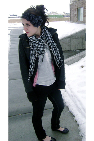 black freedom 2be jacket - white Gap blouse - gray Forever 21 accessories - blac