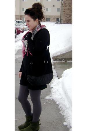 black long Gap top - green ankle Forever 21 boots - gray Forever 21 leggings