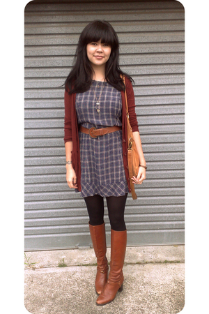 vintage from Ebay boots - thrifted dress - Dotti sweater - Madame Mooi purse - t