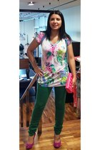 bubble gum flowers Custo Barcelona t-shirt - hot pink Mustang shoes