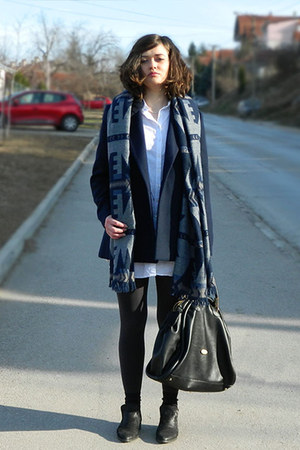 charcoal gray Springfield coat - white Bata shoes - black Springfield shirt