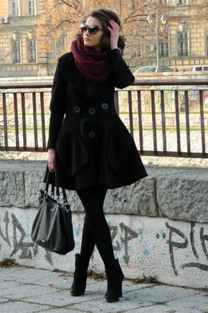 black Max Mara coat - crimson New Yorker scarf - black Aldo bag