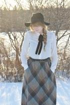 heather gray vintage skirt - white Jacob shirt - black thrifted belt