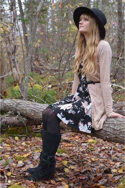 black thrifted boots - black thrifted dress - black thrifted hat