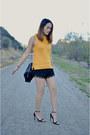Black-laces-zara-shorts-carrot-orange-knit-zara-top