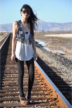 black Urban Outfitters vest