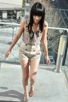 Anthropologie top - Aritzia shorts - Sam Edelmel shoes
