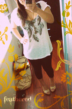 gold Claires necklace - beige Forever 21 shirt - black Forever 21 leggings - bei
