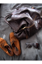 foley & corinna purse - vintage shoes - rayban sunglasses