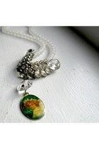Snow-pixie-necklace-necklace