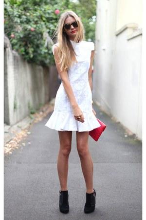 gold stone YSL ring - black high heel boots - white dress