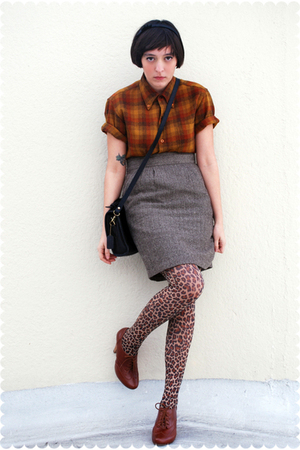 brown vintage Pendleton blouse - brown Seychelles shoes