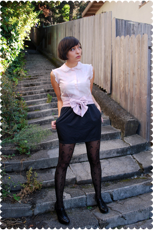 pink vintage blouse - black platform oxford seychelles shoes