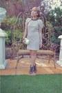 Black-crystal-crazy-dexter-necklace-beige-classic-forme-dress