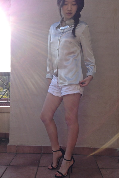 silver shirt - white shorts - silver necklace - black heels