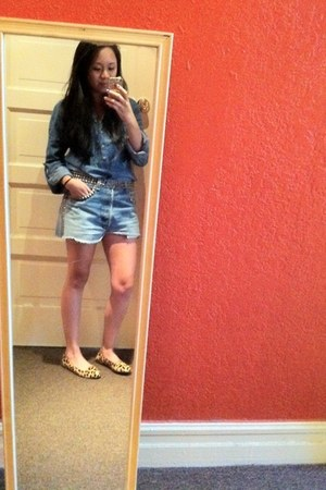 sky blue Forever 21 shirt - light blue Levis shorts