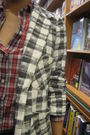 Red-giodarno-blouse-blue-cotton-on-shorts-brown-mango-accessories-gray-cha