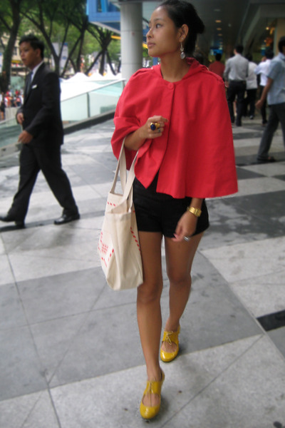 red cape stylestalker coat - yellow mustard Schu shoes