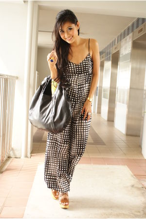 gold ring YSL accessories - brown Steve Madden shoes - black jumpsuit f21 pants