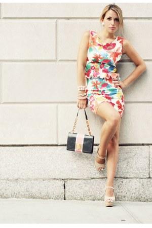 salmon In Love with Fashion dress - navy silvian heach bag