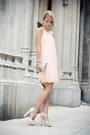 Peach-silvian-heach-dress-nude-h-m-bag-neutral-forever21-heels