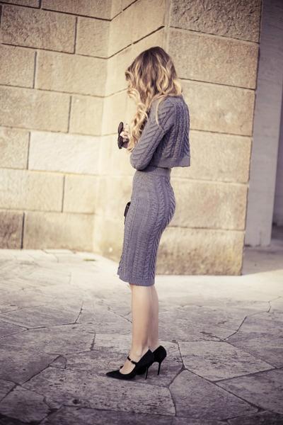 black Chanel bag - heather gray nowIStyle skirt - black sarenza heels