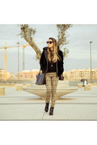 black sarenza boots - black vintage coat - black Valentino bag