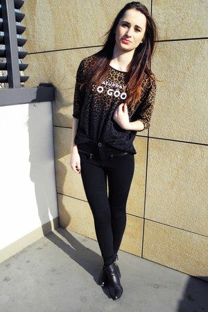 black Bershka leggings - Allegropl boots - Stradivarius blouse