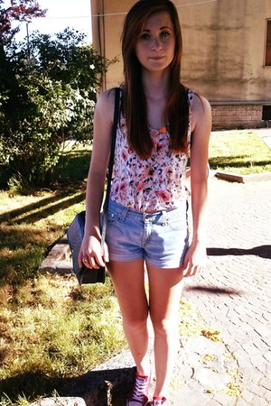 second hand bag - second hand shorts - Pull and Bear top - Converse sneakers