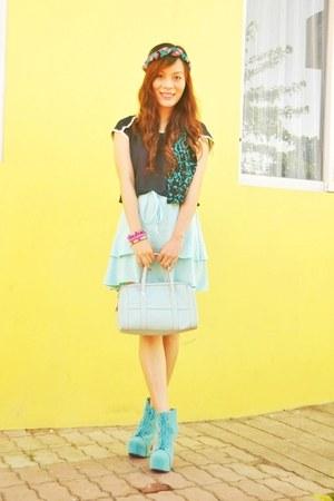 hot pink Superb Finds bracelet - aquamarine Asian Vogue boots