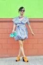 Hot-pink-neon-bubbles-necklace-black-oversized-sm-accessories-sunglasses