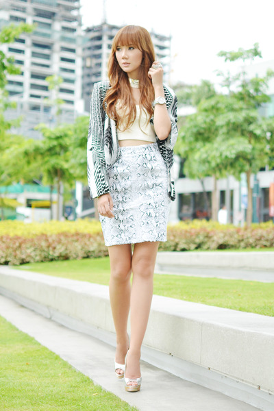 leather romwe skirt - Lacoste watch