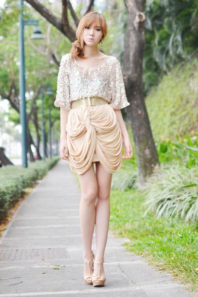 Global Citizen skirt - sm accessories ring - Sassy Chic heels