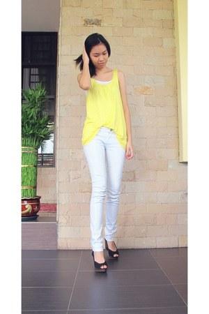 H&M top - Mango jeans - Vincci heels