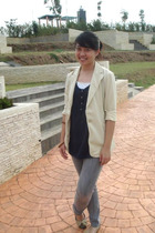 beige unbranded blazer - blue Gaudi top - brown vnc shoes