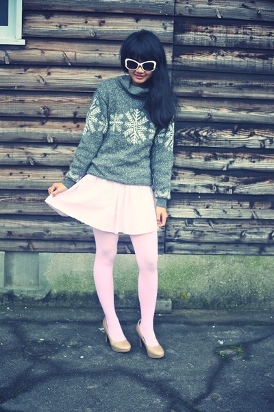 heather gray vintage sweater - light pink opaque We Love Colors tights